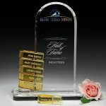 Biscay Goal-Setter Perpetual Crystal Award Contemporary Corporate Crystal Awards